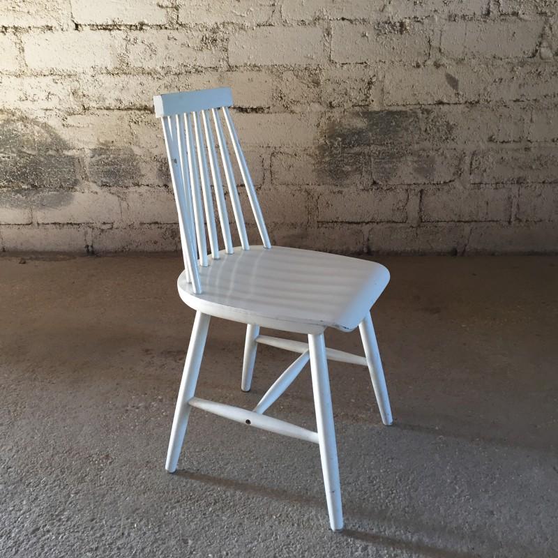 chaise blanche type fanett dit e par ikea. Black Bedroom Furniture Sets. Home Design Ideas